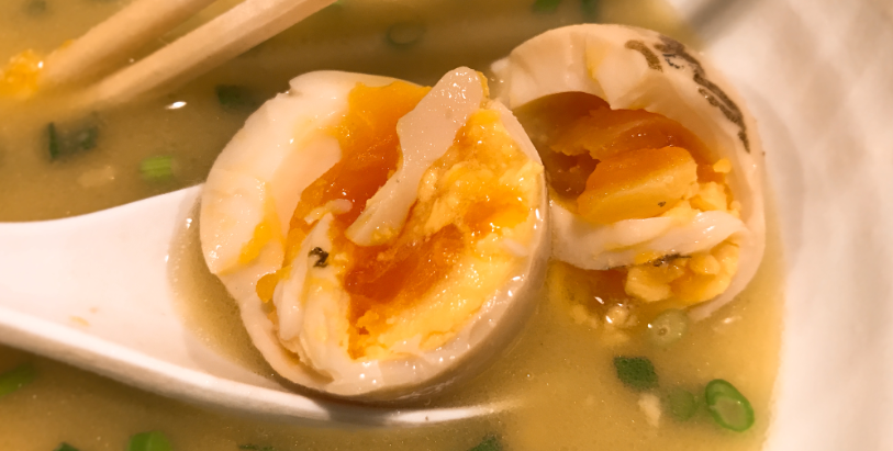 鶏の穴の煮卵を割ってみた結果