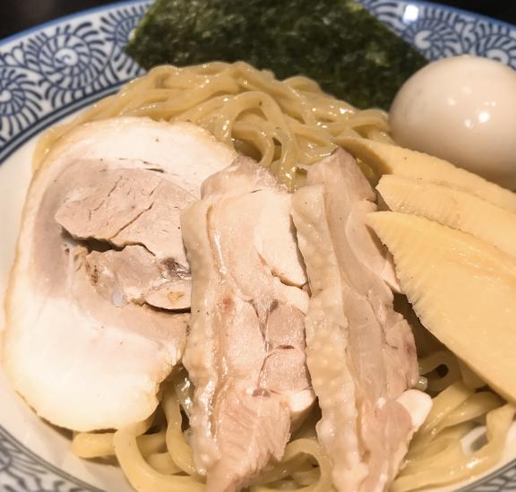 樹真の麺とトッピング