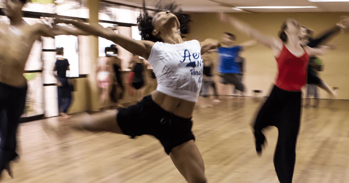 社会人・大人向けおすすめの習い事9_ ダンス教室 (1)